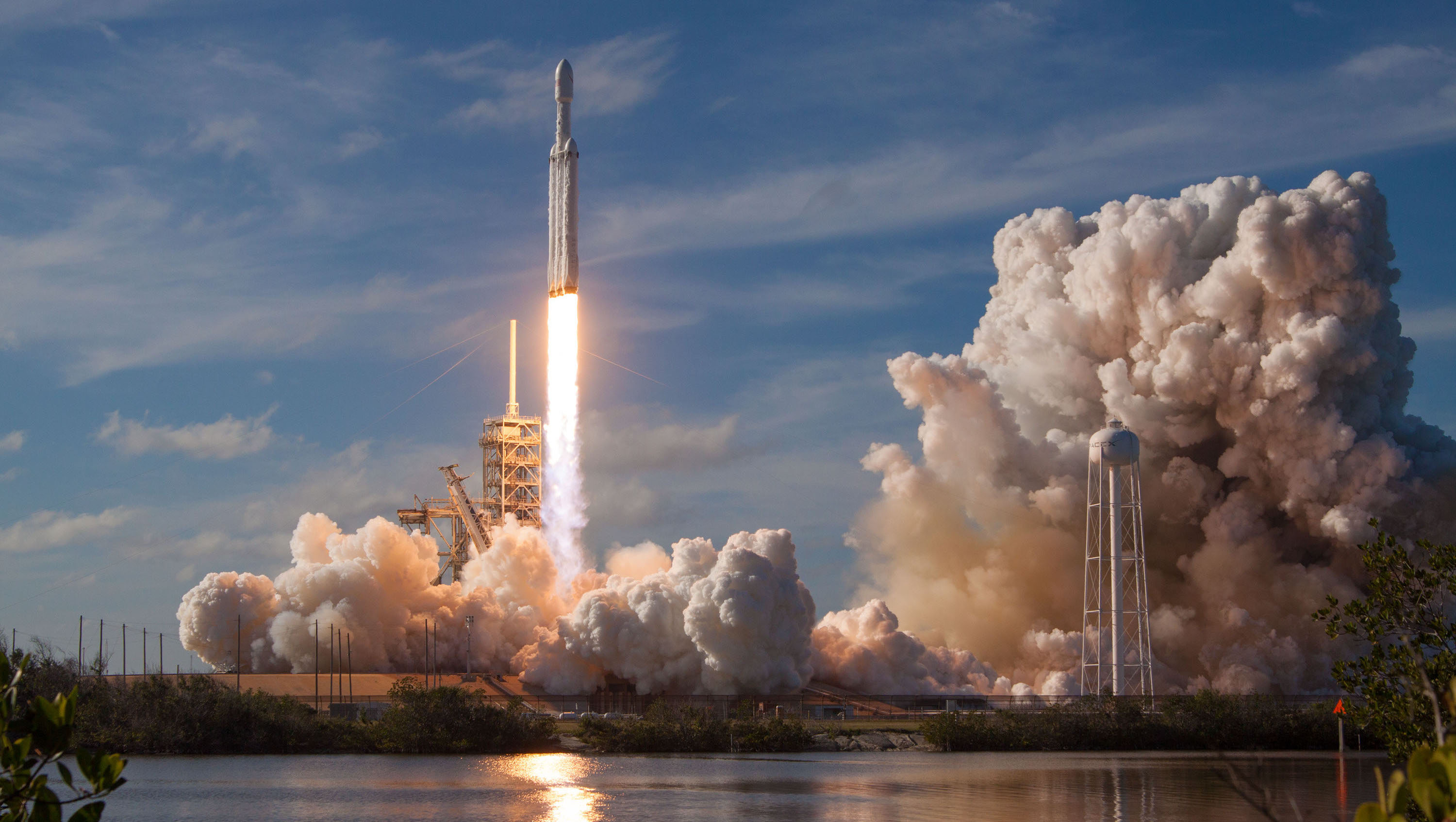 Elon Musk: The Architectures of Leading IT Systems and the Falcon Heavy Rocket are Fully Aligned